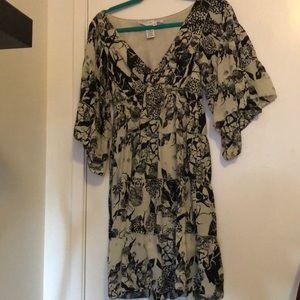 Max Studio Flared Sleeve Dress. Very Unique